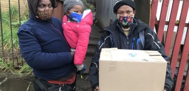 Colegio Médico Osorno realiza donación de 90 cajas de alimentos a familias vulnerables