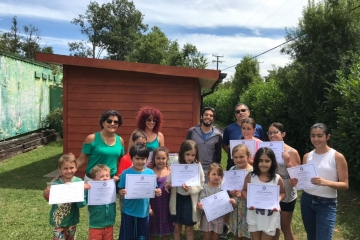 Con éxito finalizó una nueva versión de Curso de Natación para niños de Colegio Médico Osorno